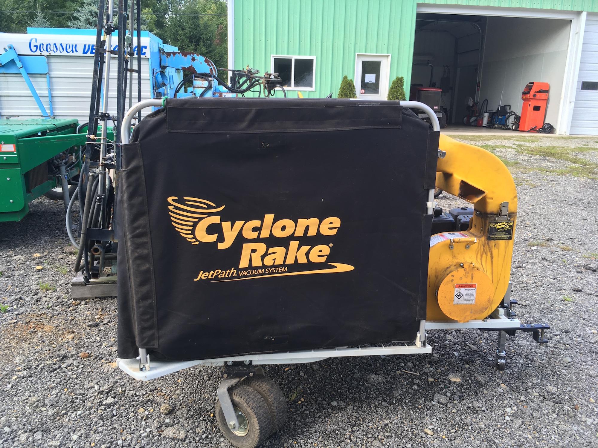 Cyclone-Rake-Vacuum_01
