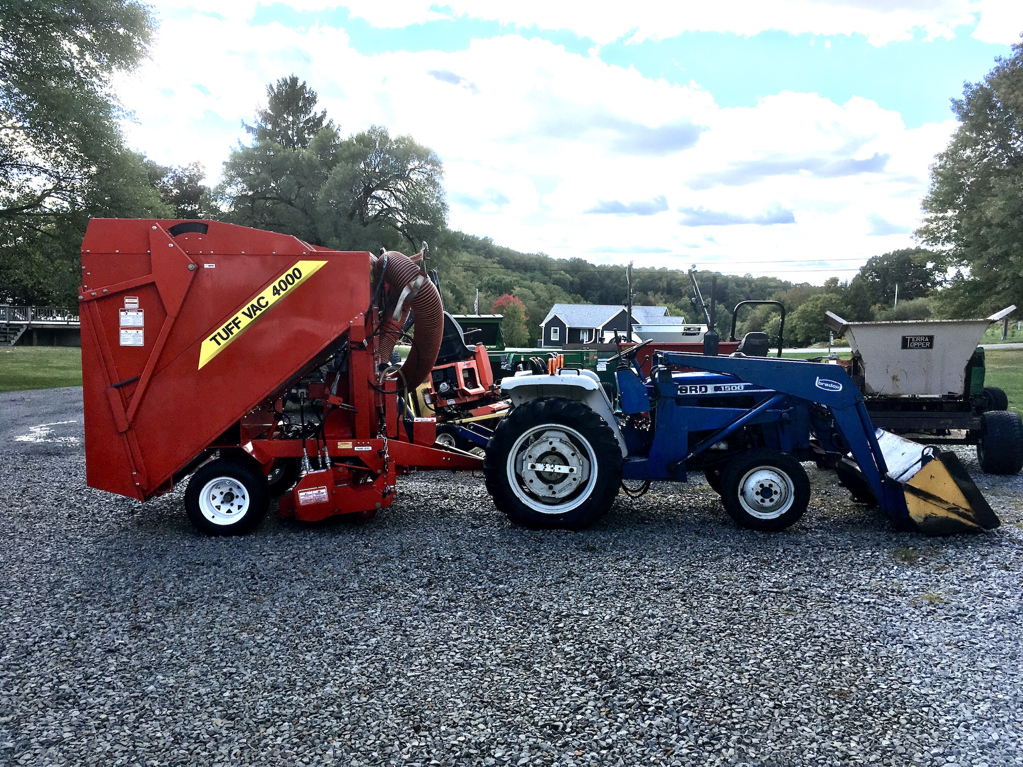 Ford-1500-Tractor-Loader-4