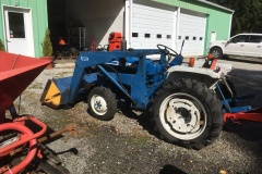 Ford-1500-Tractor-Loader-2