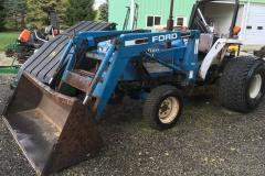 Ford-2120-Tractor-Loader-Backhoe-01
