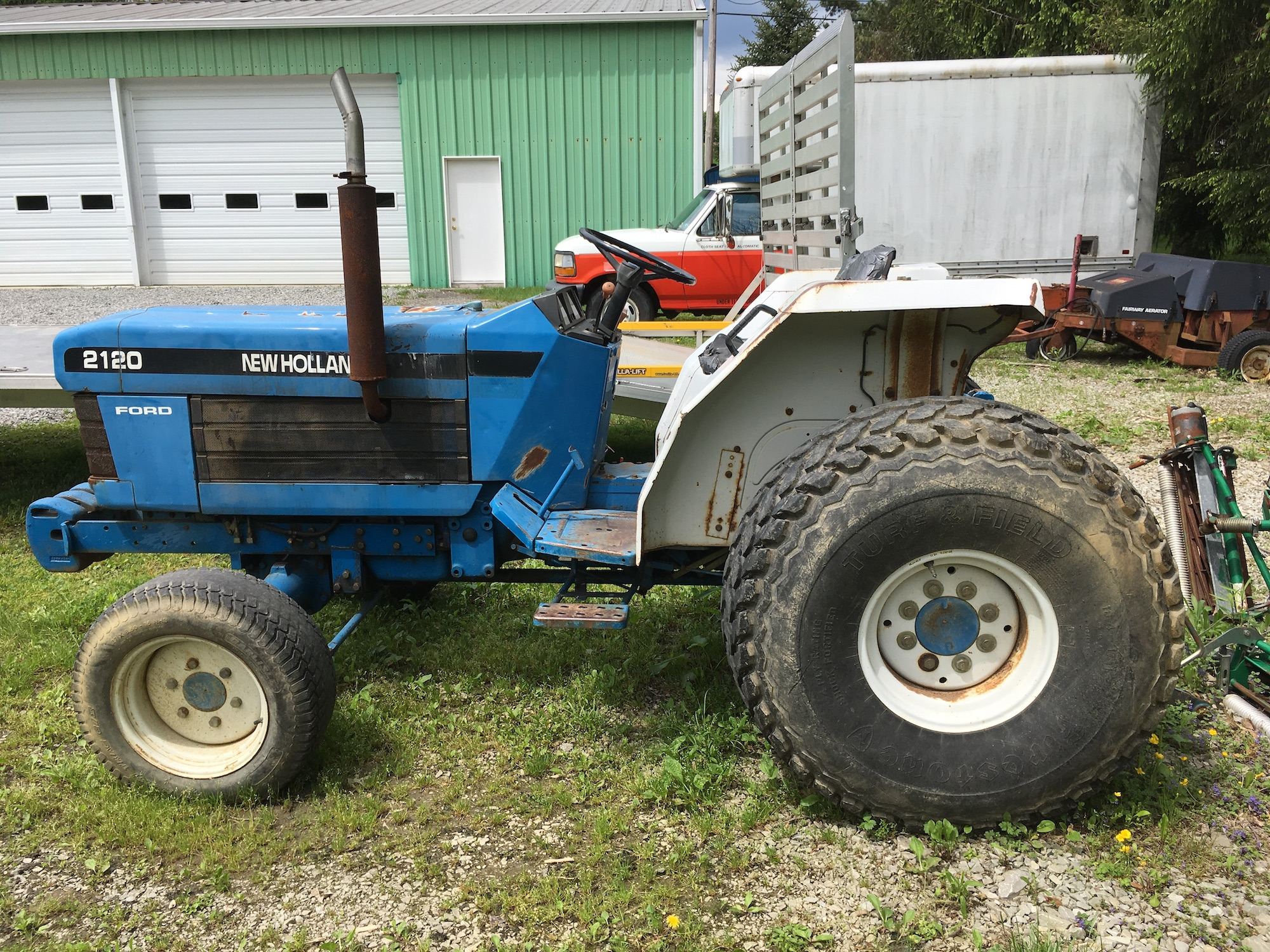 Ford-NewHolland-2120-Tractor_02