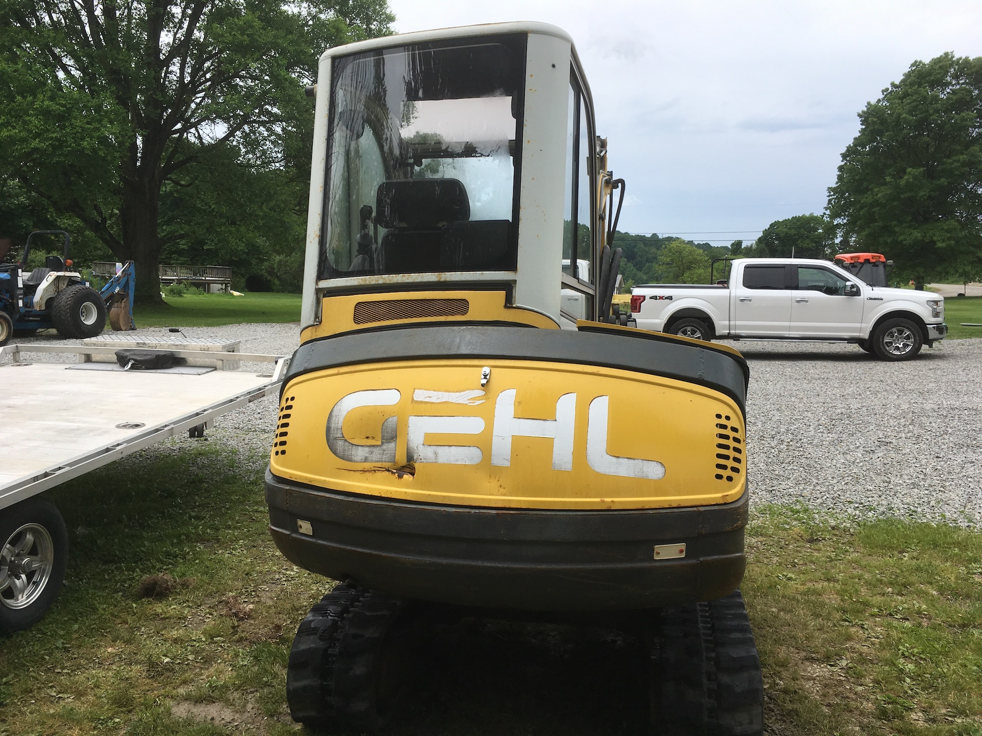 Gehl-GE362-Excavator-03