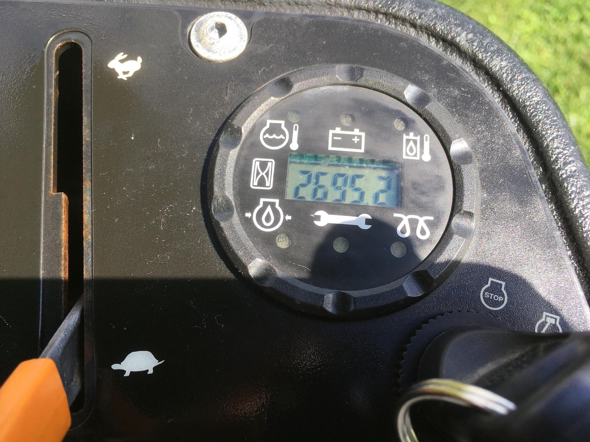John-Deere-8800-Rough-Mower-05