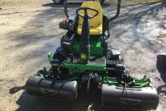 JohnDeere-2500E-Triplex-GreensMowers-07
