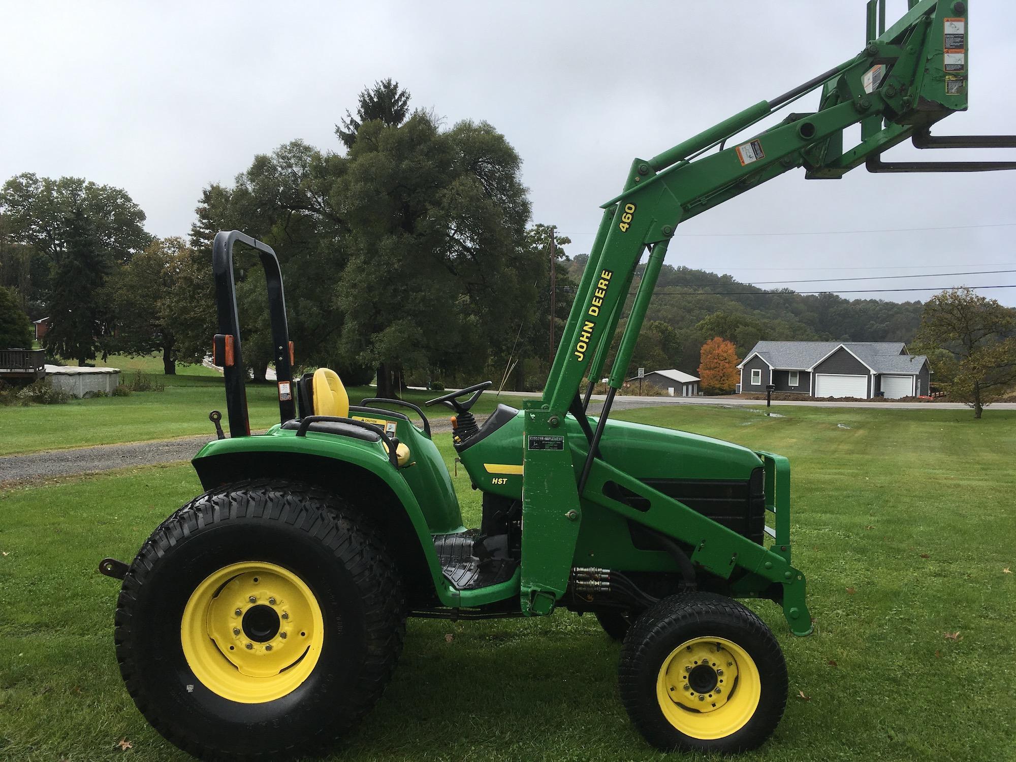 JohnDeere-4700-Tractor-Loader-02