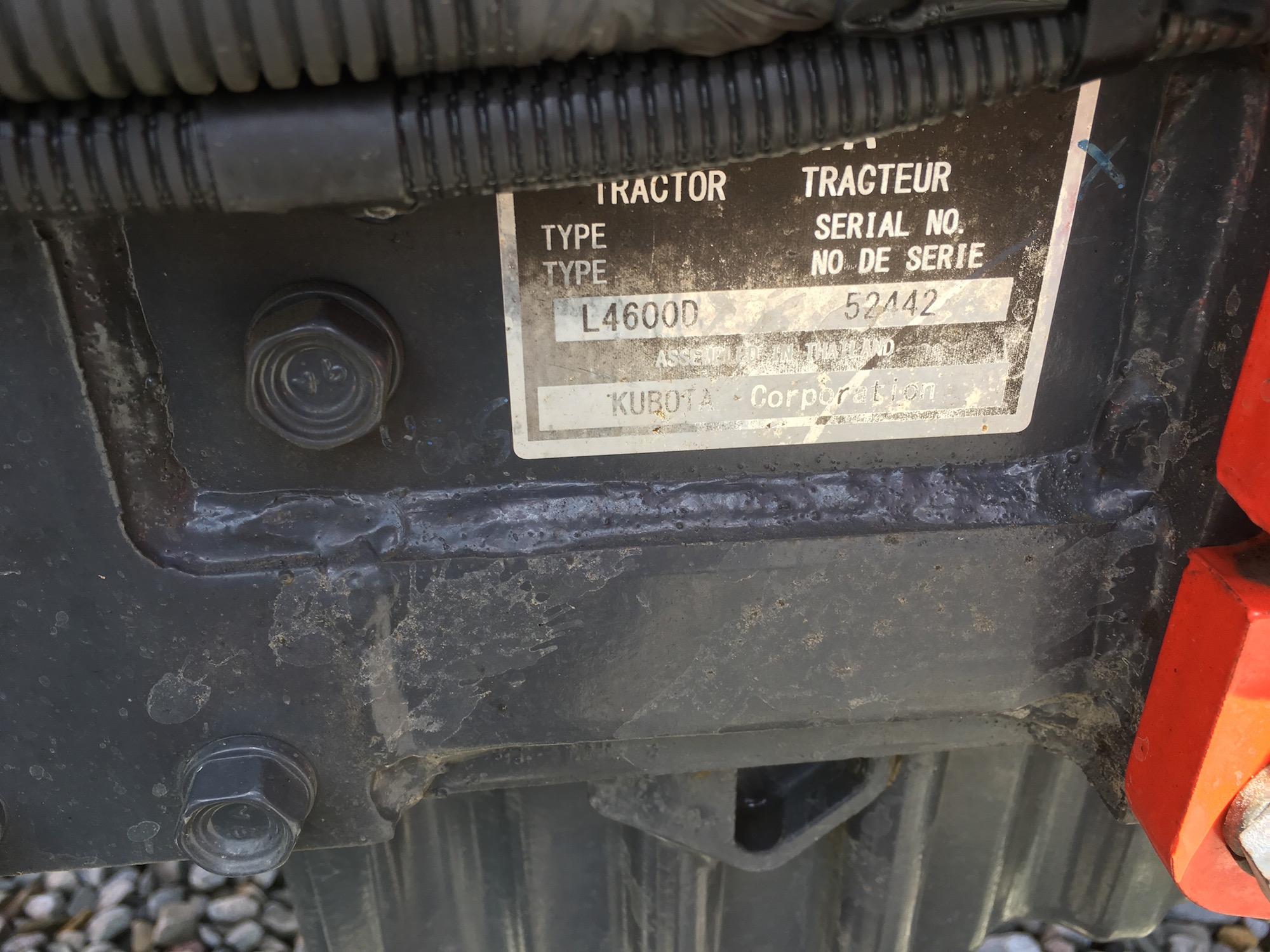 Kubota-L4600-4WD-Tractor-Loader-06