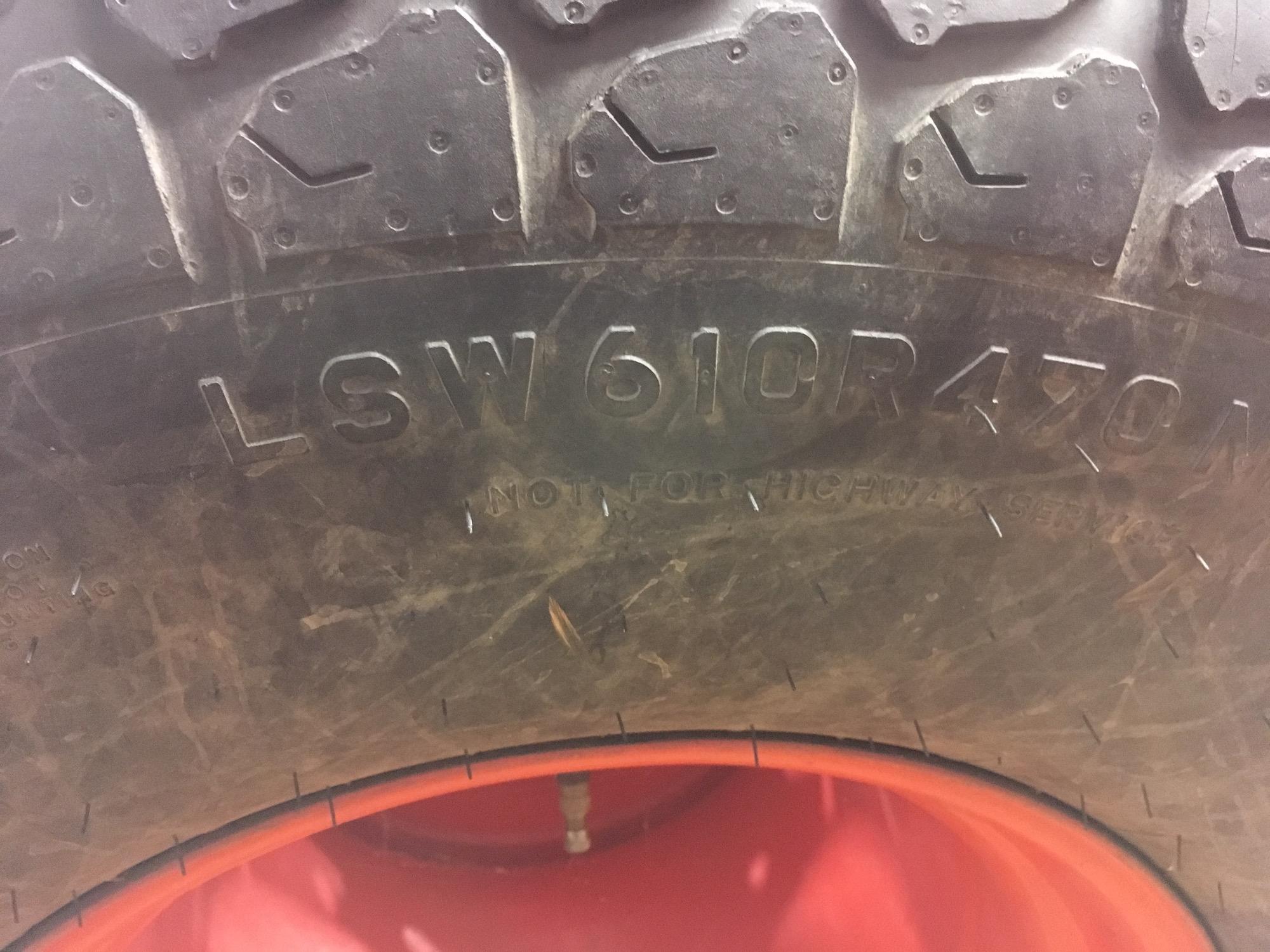 Kubota-L-series-Tires-and-Rims-04
