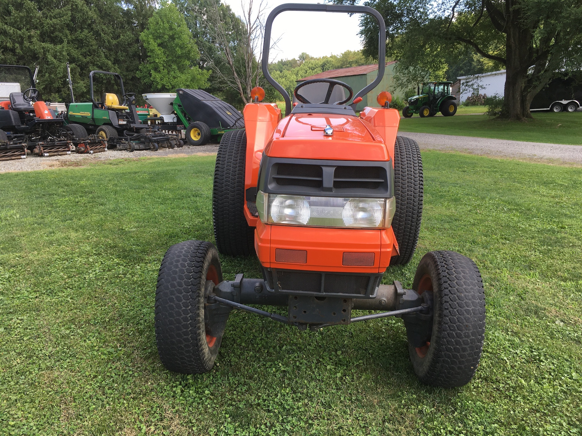 Kubota-L3600-Tractor-02