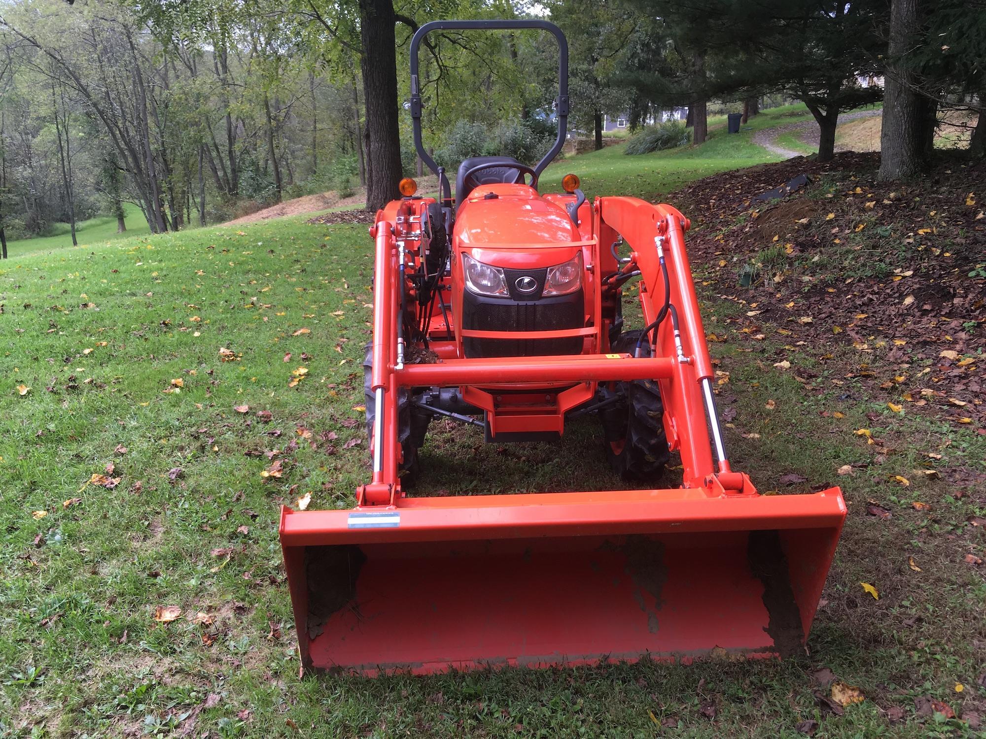 Kubota-L3901D-Tractor_LA525-Loader-04