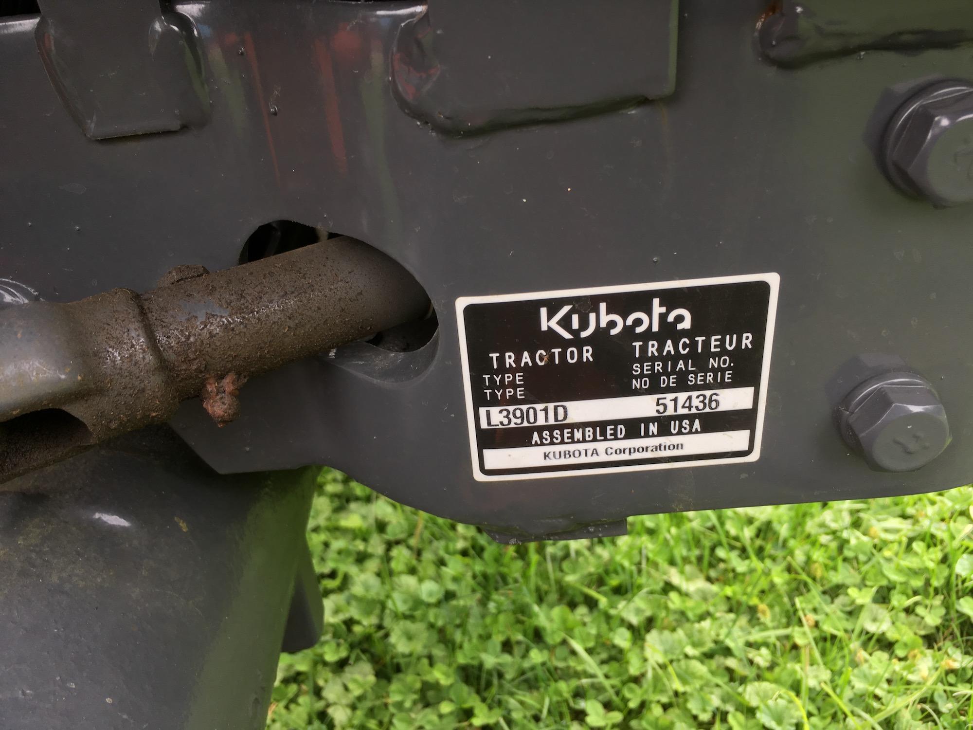 Kubota-L3901D-Tractor_LA525-Loader-06