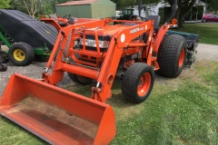 Kubota-L4610-Tractor-and-Front-Loader-01