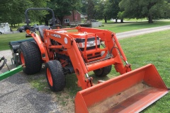 Kubota-L4610-Tractor-and-Front-Loader-02