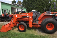 Kubota-L4610-Tractor-and-Front-Loader-03