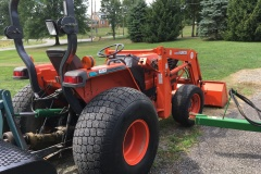 Kubota-L4610-Tractor-and-Front-Loader-04