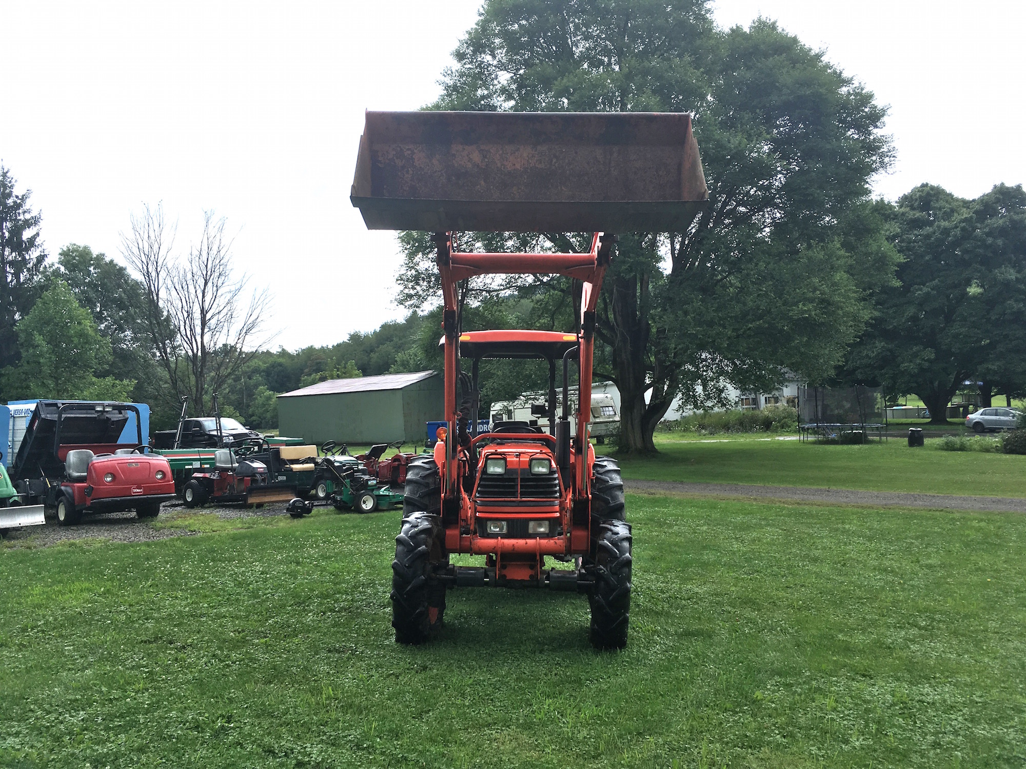Kubota-M4700-Tractor-Loader_02