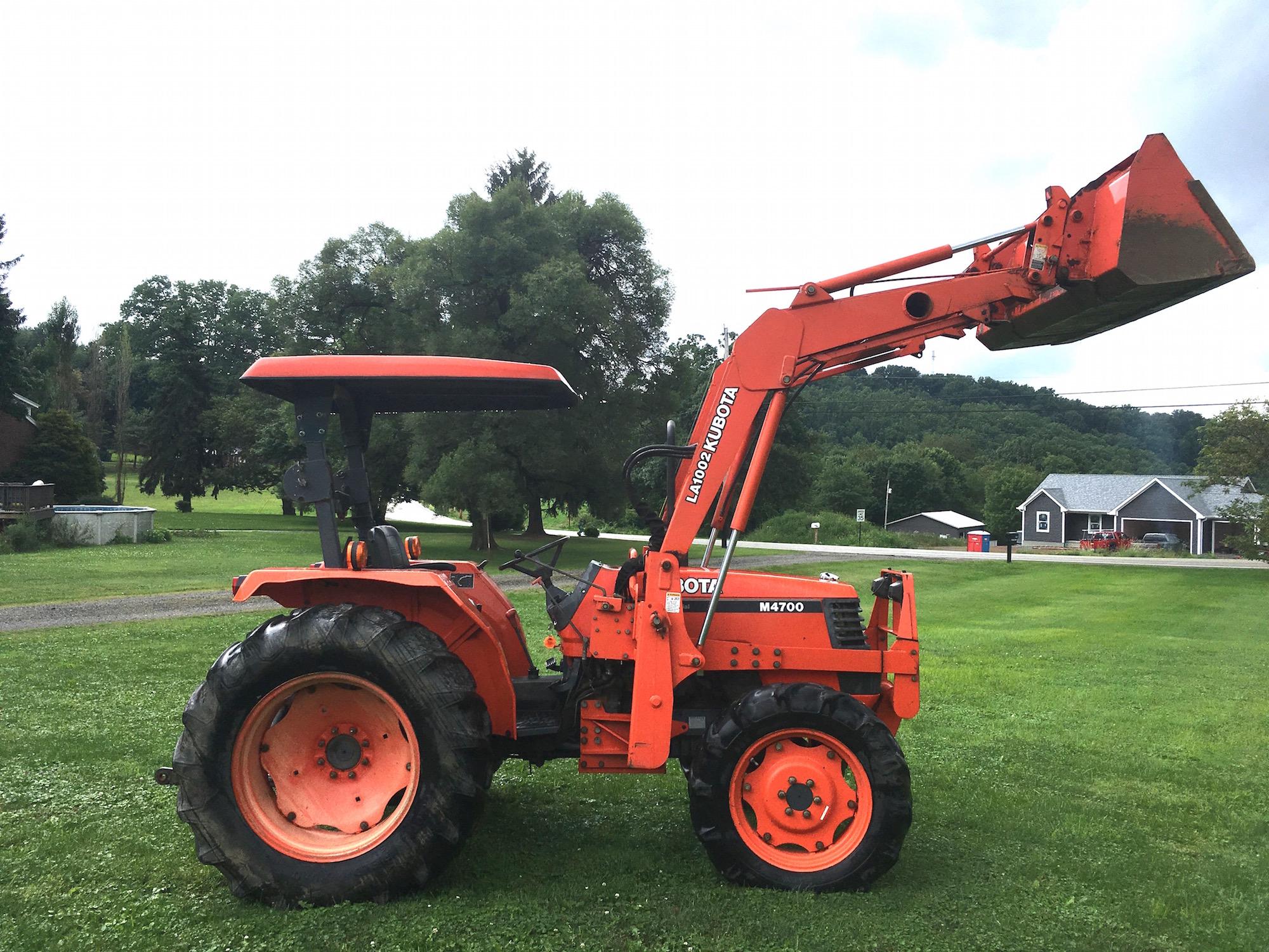 Kubota-M4700-Tractor-Loader_03