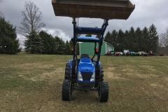 NewHolland-TC40DA-4WD-Tractor-Loader-03