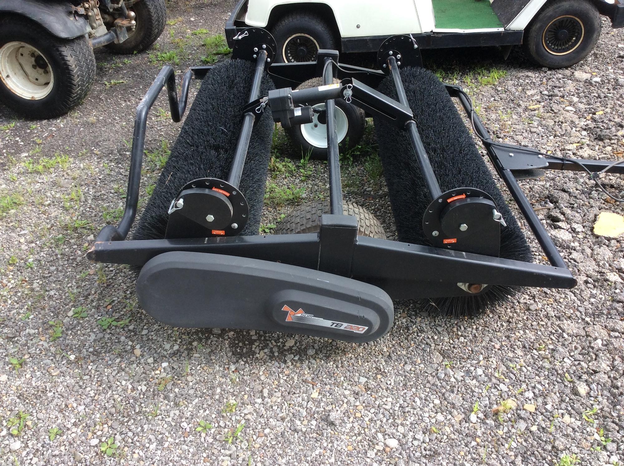 SGM-TB220-TurfBrush-01
