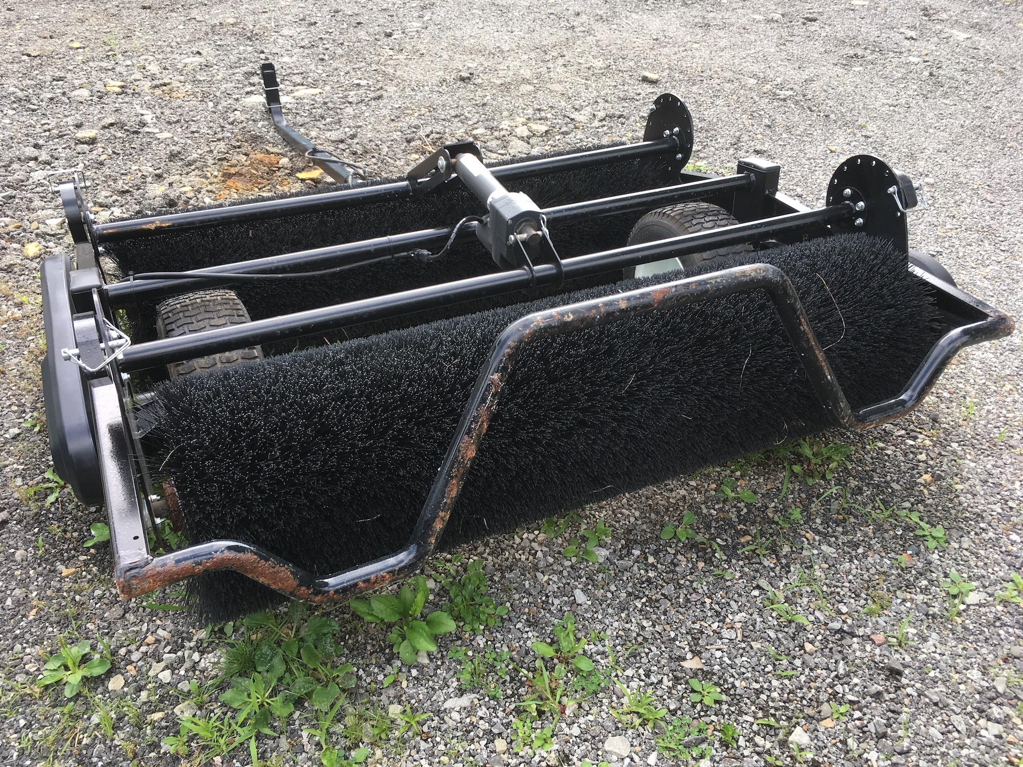 SGM-TB220-TurfBrush-03
