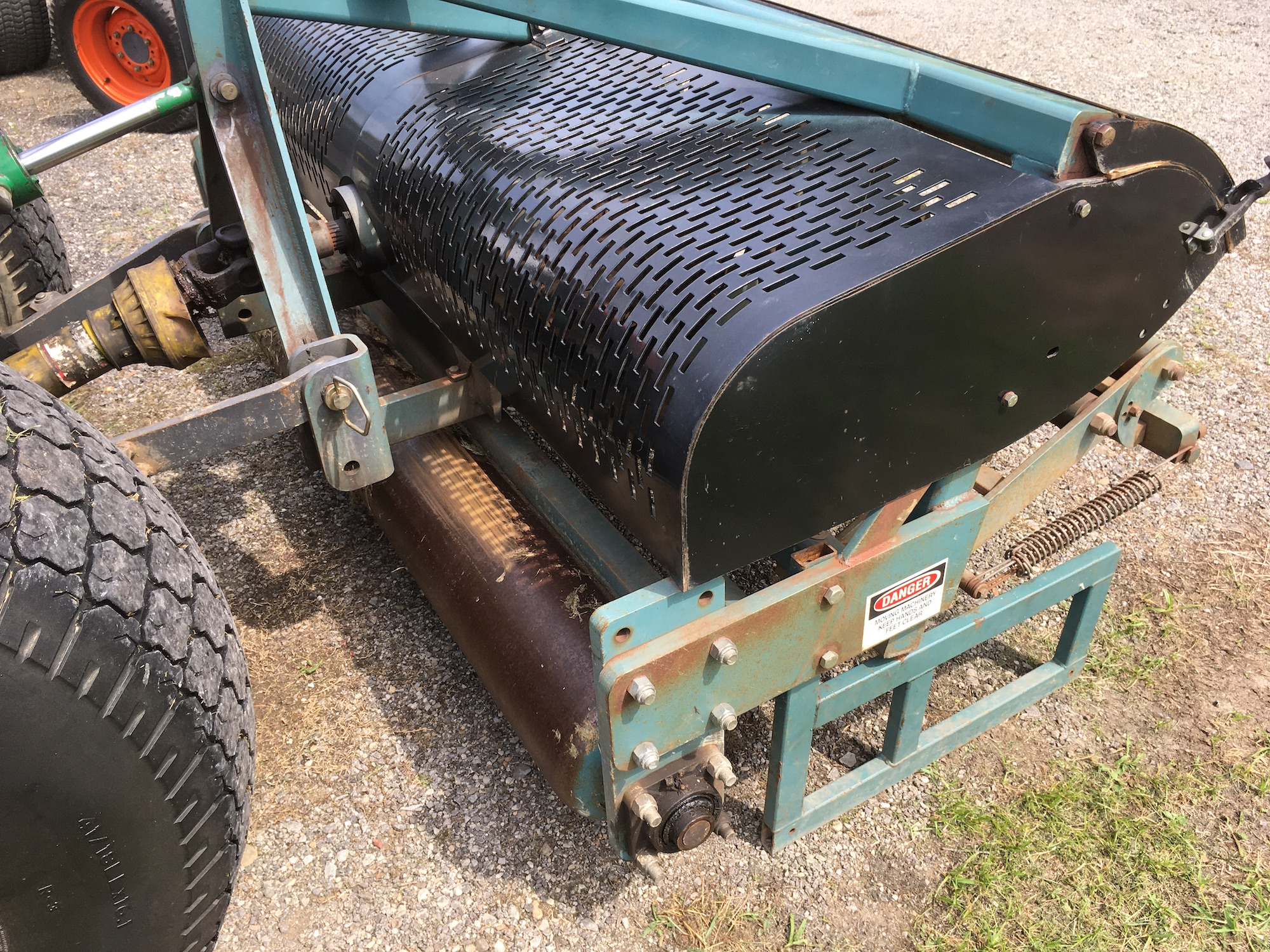 Soil-Reliever-Aerator-SR72-04