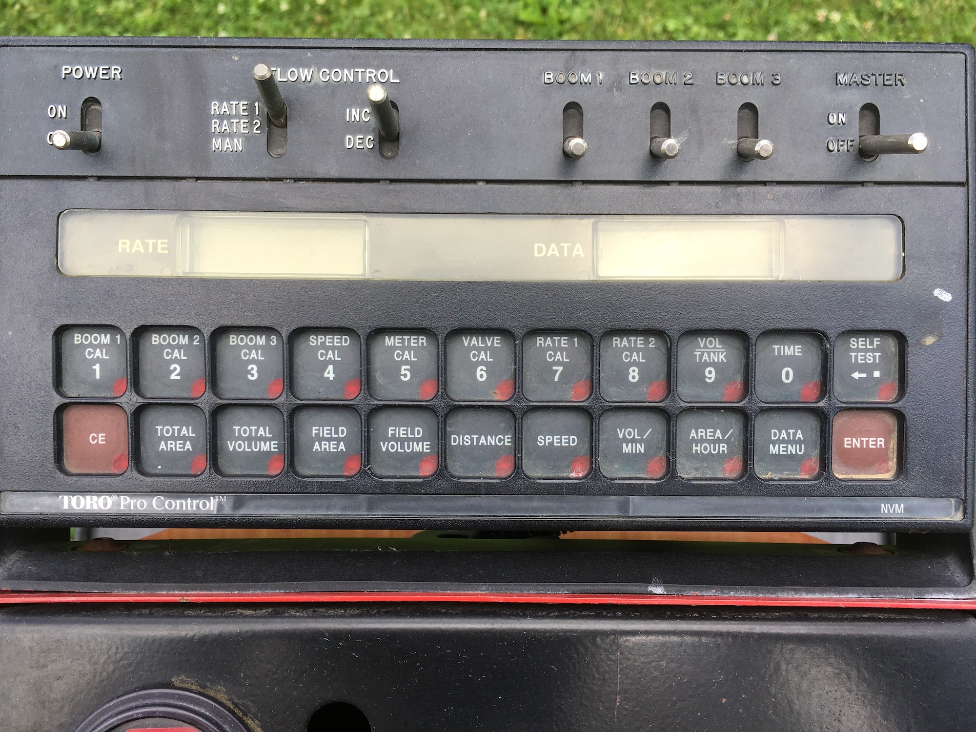 Toro-1100-MultiPro-Sprayer-05