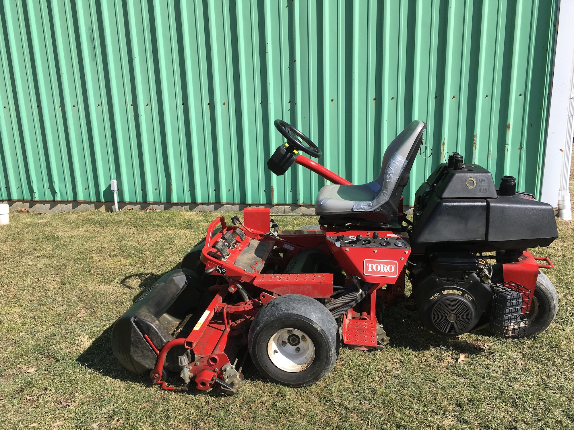 Toro-3100-Triplex-Greensmaster-Mower-02