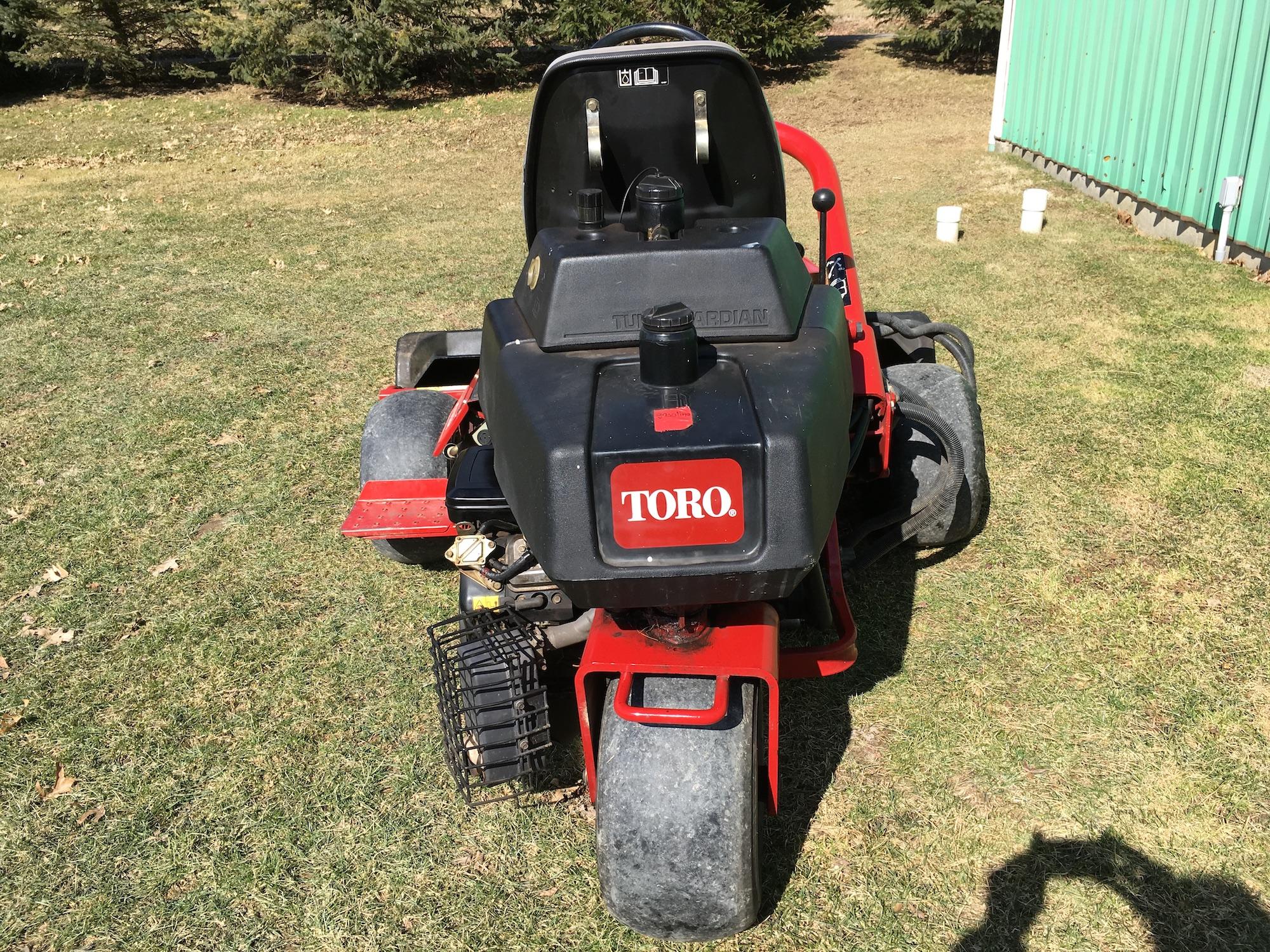Toro-3100-Triplex-Greensmaster-Mower-04