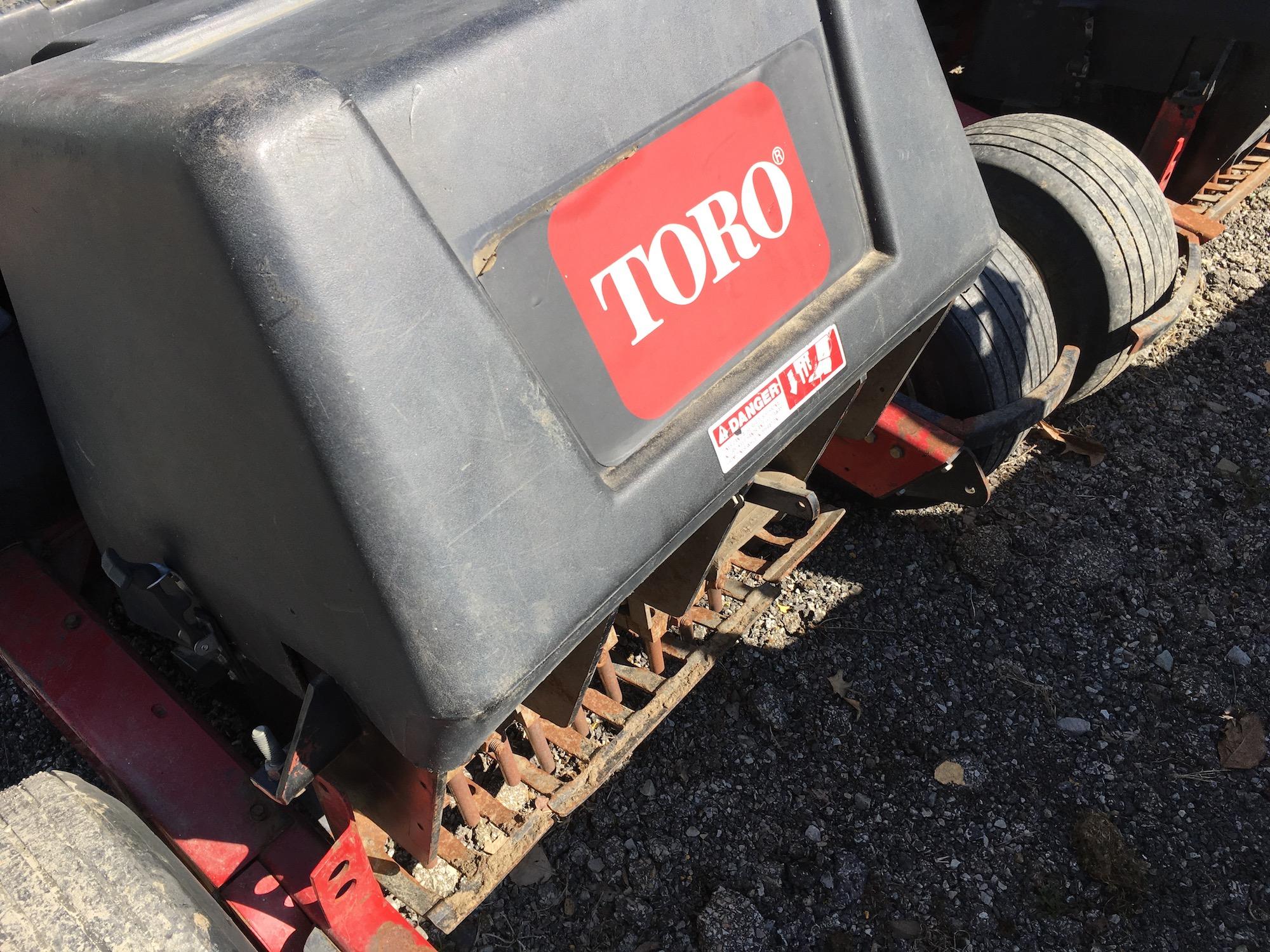 Toro-9110-GreensAerators-08