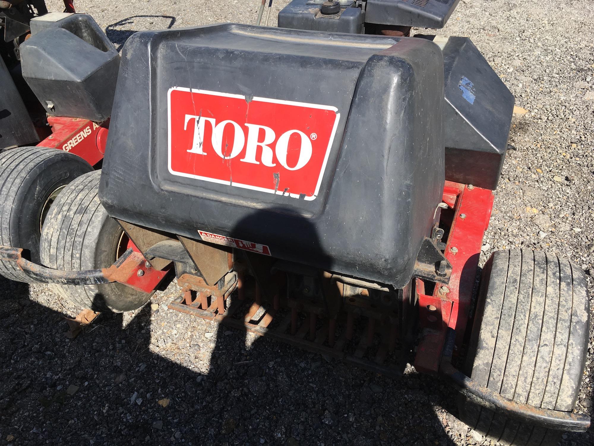 Toro-9110-GreensAerators-10